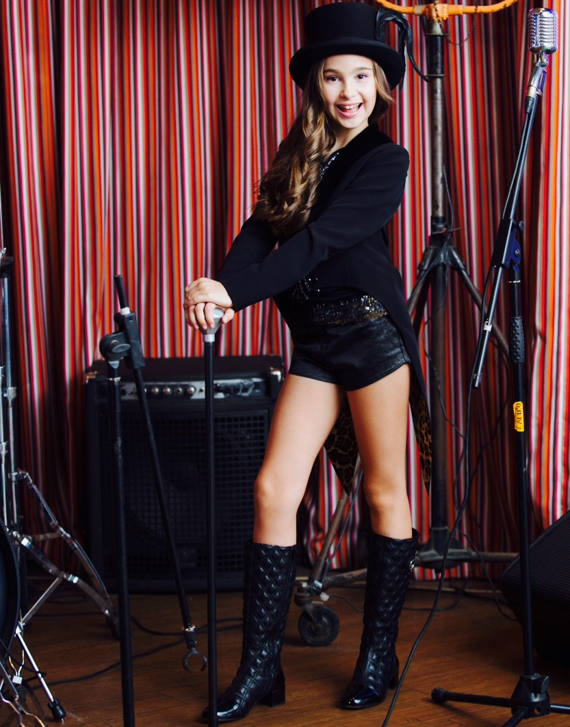 Александра Абрамейцева ответила на вопросы корреспондента журнала Top Beauty.