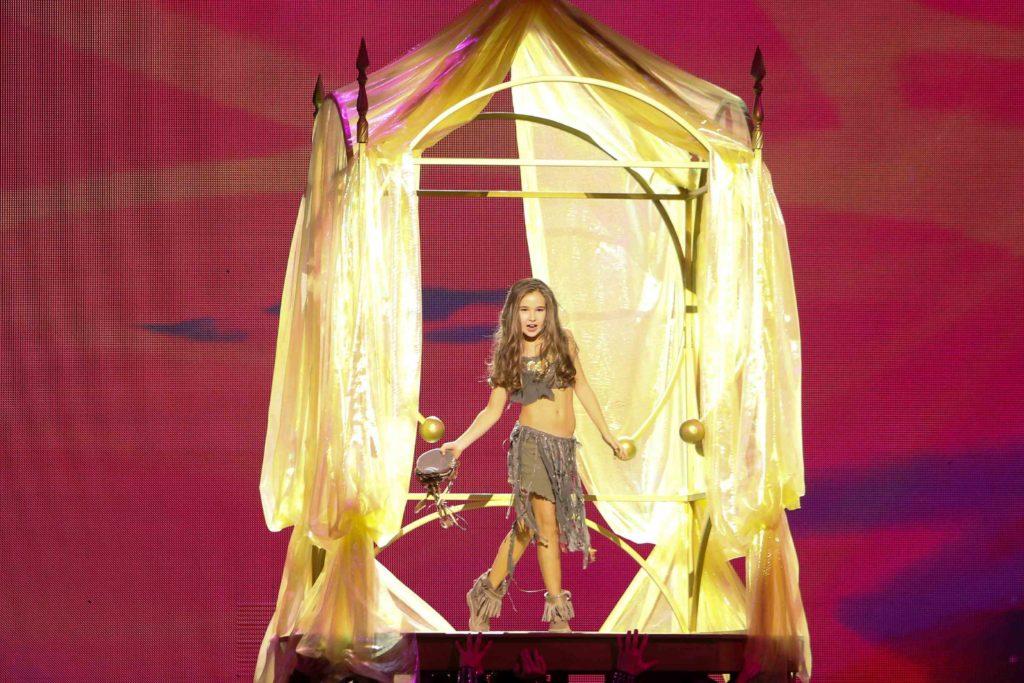 Александра Абрамейцева исполнила свою новую песню «Rum Di Dum»